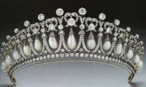 antique-tiara-3