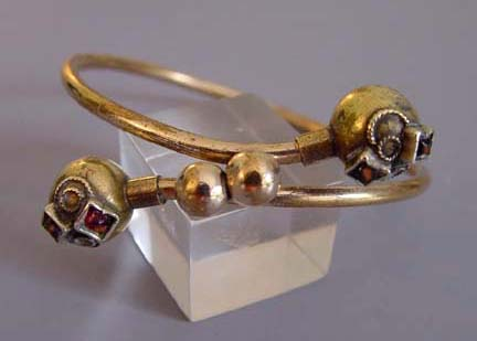 Victorian Etruscan revival child-sized bracelet in gold tone and garnets, circa 1885
