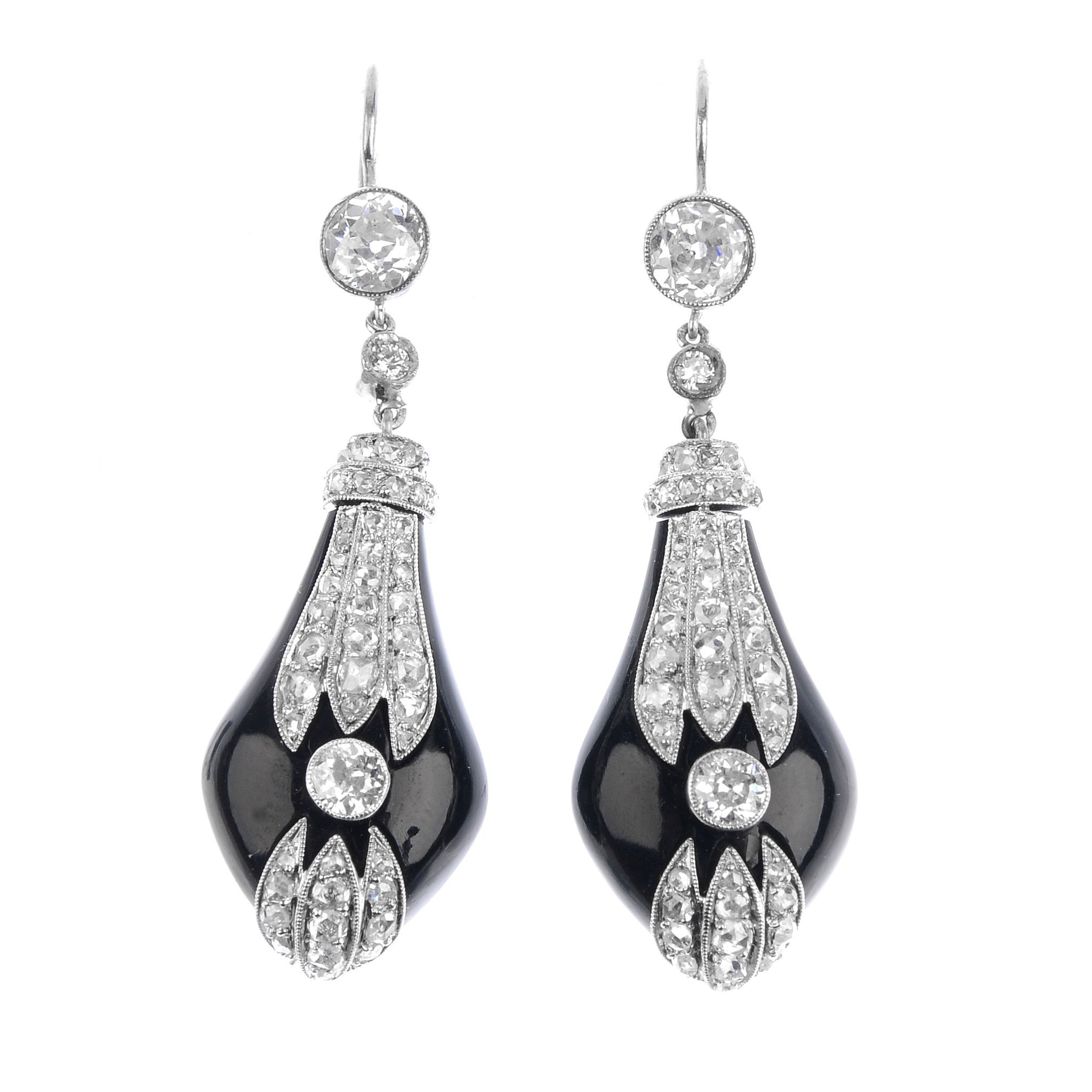 "<a href=""https://www.fellows.co.uk/2104-lot-104-A-pair-of-diamond-and-onyx-earrings?utm_source=Ageless%20Heirlooms&utm_medium=blog&utm_campaign=Ageless%20Heirlooms%20Vintage&utm_content=Blog%20and%20social"">LOT 104</a>"