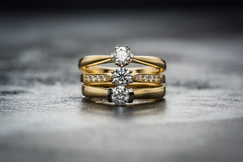 estate diamond rings vs new diamond rings